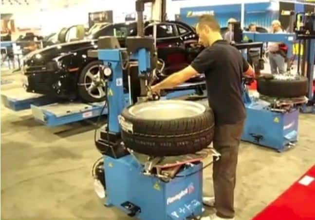 G8645.26-Slivo-Leverless-Tire-ChangerVideo