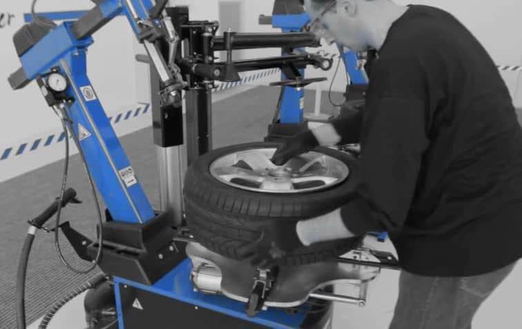 Ravaglioli G8645.26 Slivo Leverless Tire Changers Video